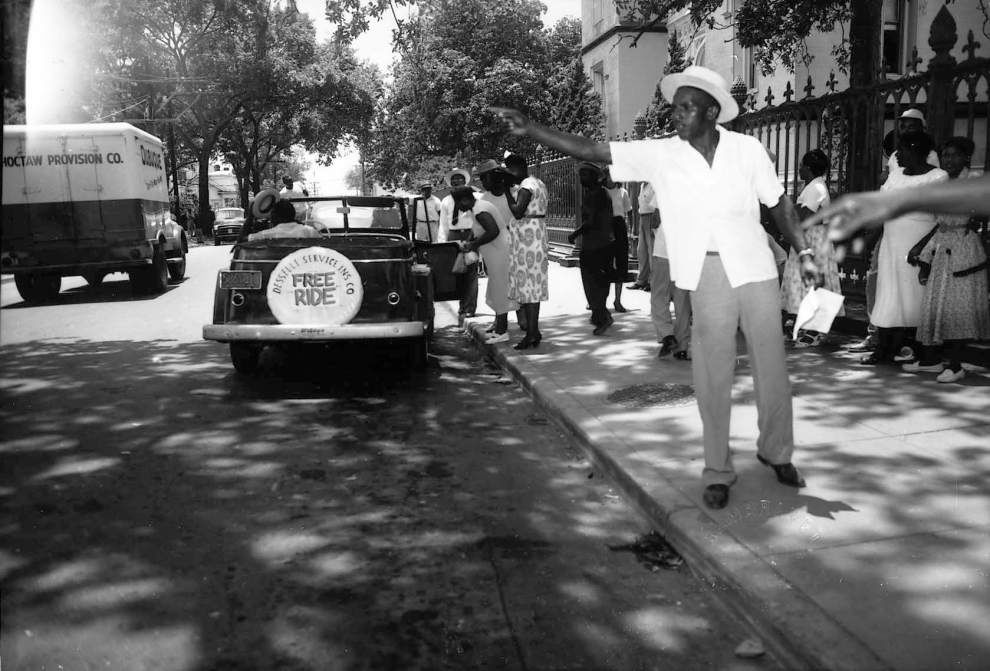 Baton Rouge bus boycott's role in Civil Rights Movement commemorated with bench, plaque at McKinley High _lowres