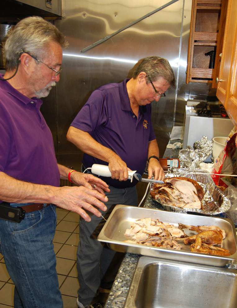 Baptist students host LSU internationals for dinner for special Thanksgiving _lowres