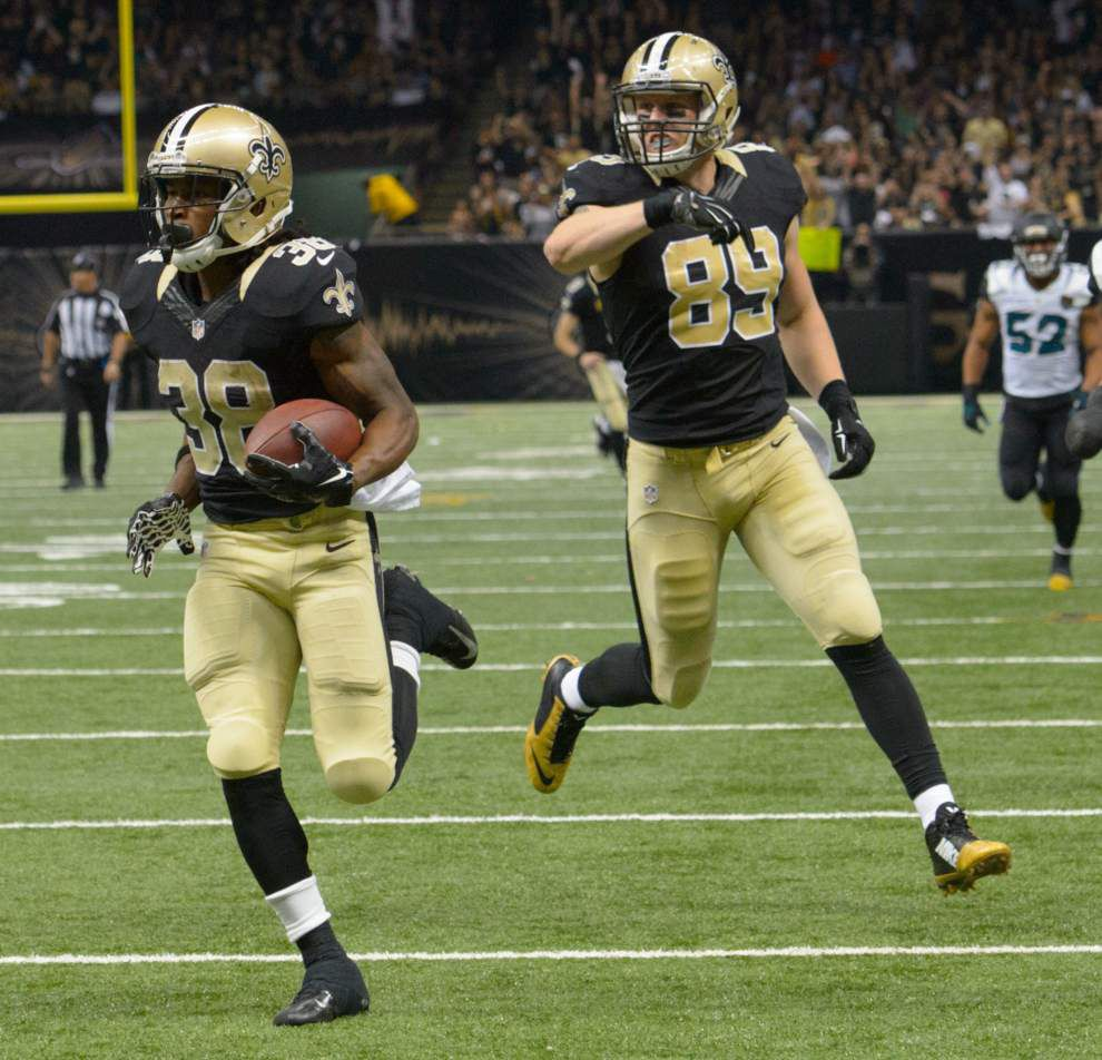 Source: Saints tight end Josh Hill visits Bears _lowres