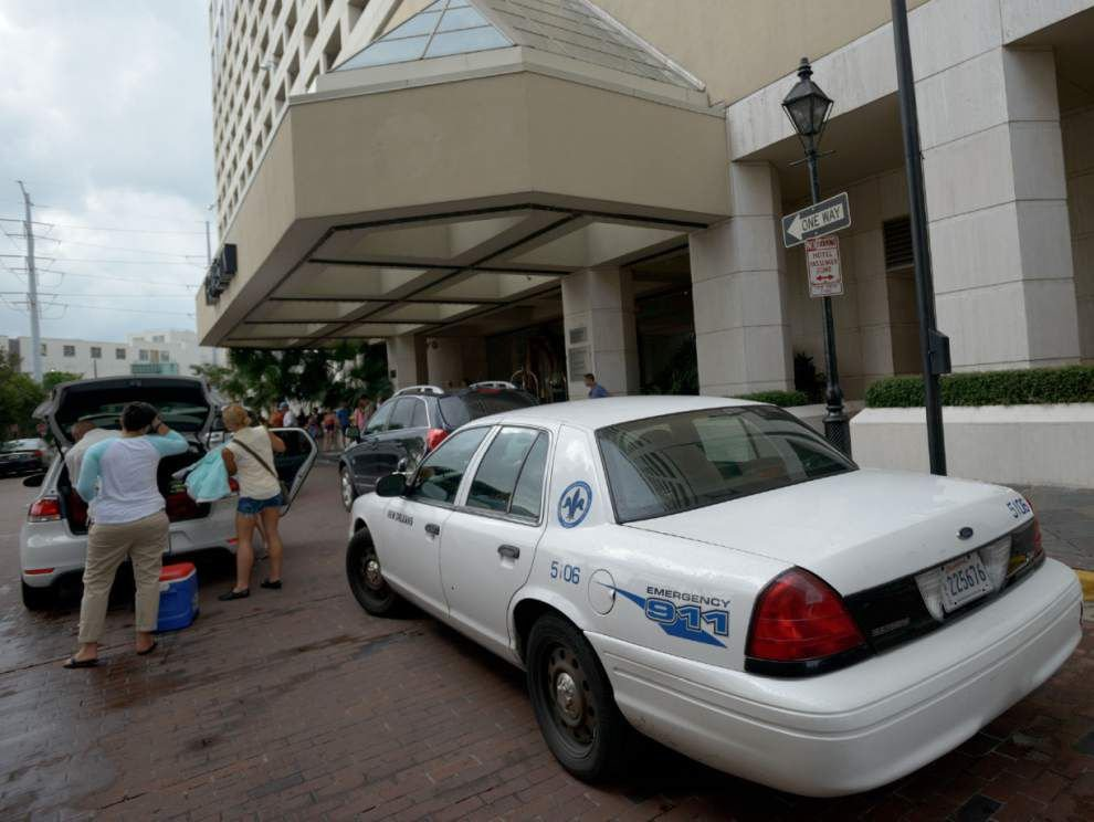 SWAT standoff at N.O. hotel ends with 1 dead, 1 injured _lowres