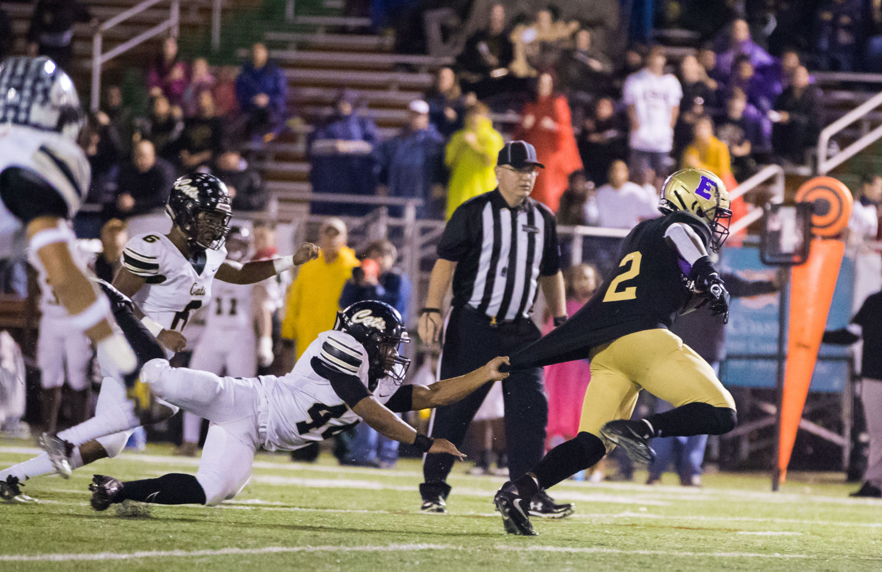 Replay: Warren Easton throttles Leesville, 54-14, to reach Class 4A title game