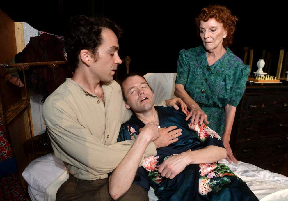 Room with a dark 'Vieux': Swine Palace brightens Tennessee Williams play _lowres