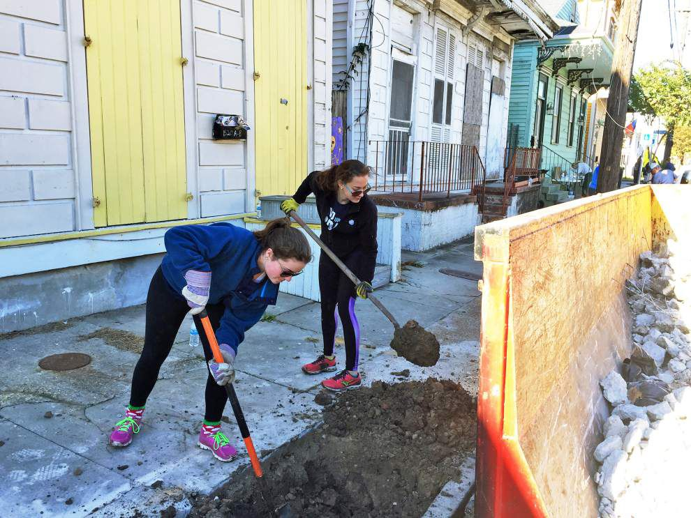 Ursuline Academy students take on Treme tree-planting project _lowres