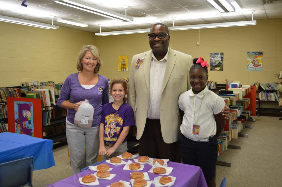 Doughnut party held for readers at Amite _lowres