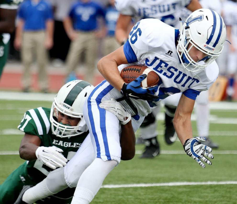 Trey Ragas breaks Shaw's rushing record, but Jesuit dominates in 42-14 win _lowres