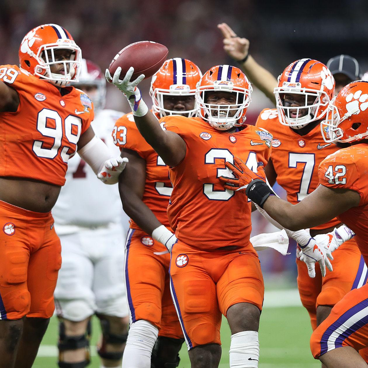 Howard S Rock Iptay The Fridge Get To Know These 10 Things About Clemson Football Lsu Theadvocate Com Named after legendary coach frank howard, the famed howard's rock was brought to clemson from death valley, california in 1919 by the tiger: clemson football