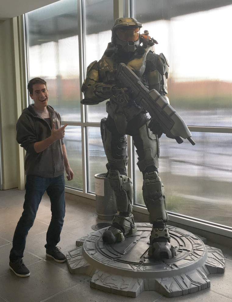 Runnels School alumnus contributes to 'Halo 5' game _lowres