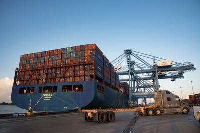 Port Nola's giant cranes in operation