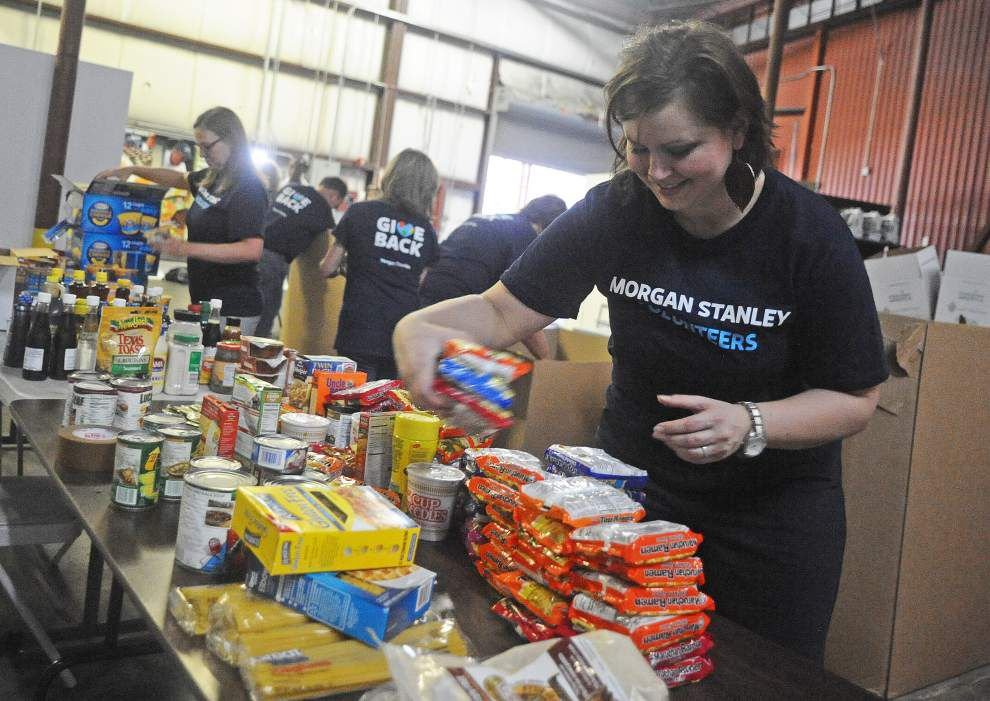 Mobile Food Pantry helps Opelousas families feed their families _lowres