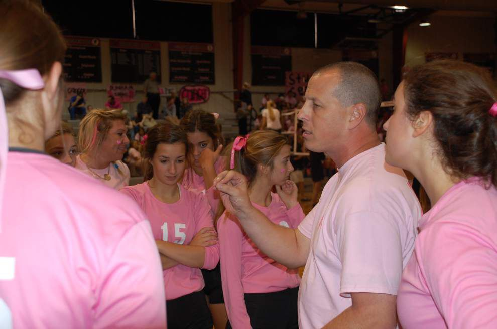 Volleyball teams raise awareness _lowres