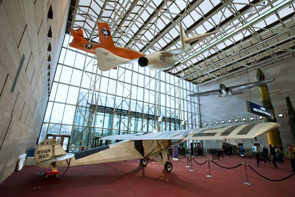 Smithsonian offers close look at Spirit of St. Louis plane _lowres