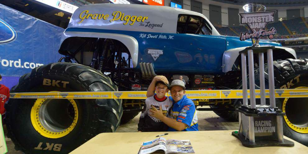 Larger-than-life trucks take Monster Jam to new heights _lowres