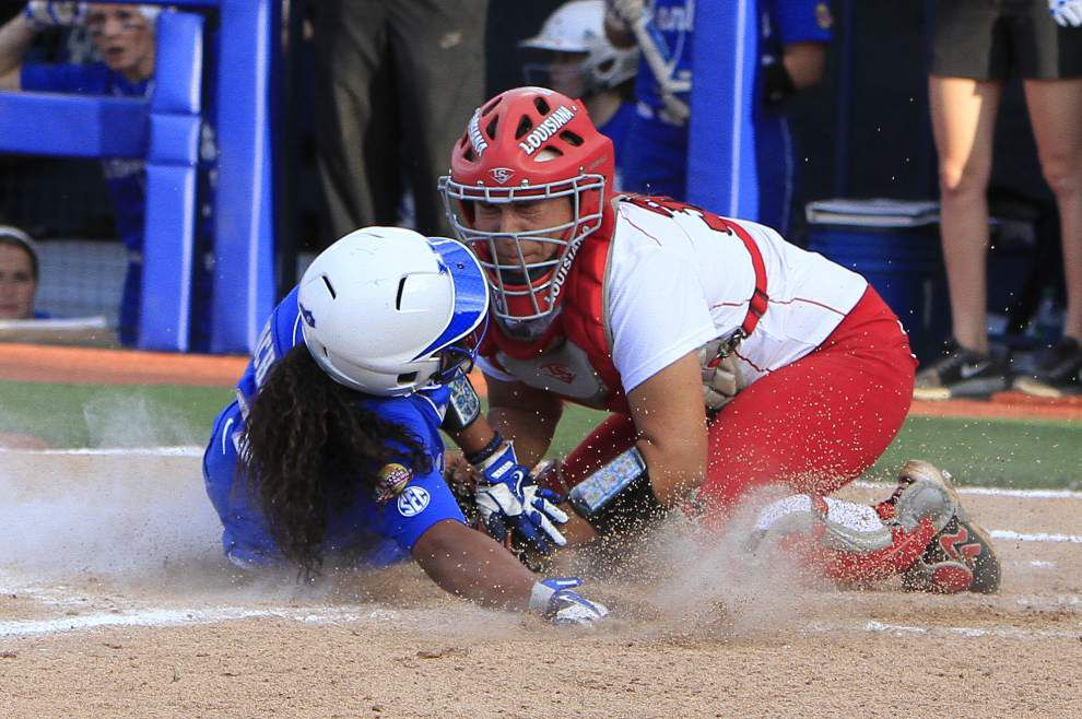 UL-Lafayette struggles in WCWS-opening loss to Kentucky _lowres