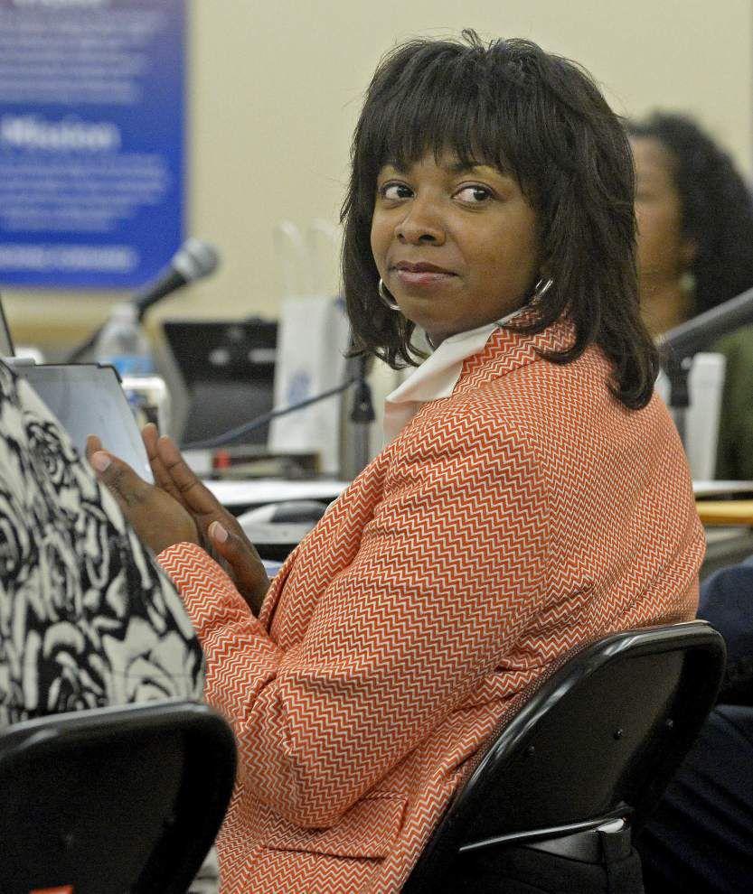 EBR School Board approves virtual school to target struggling, advanced students; new board member sworn in _lowres