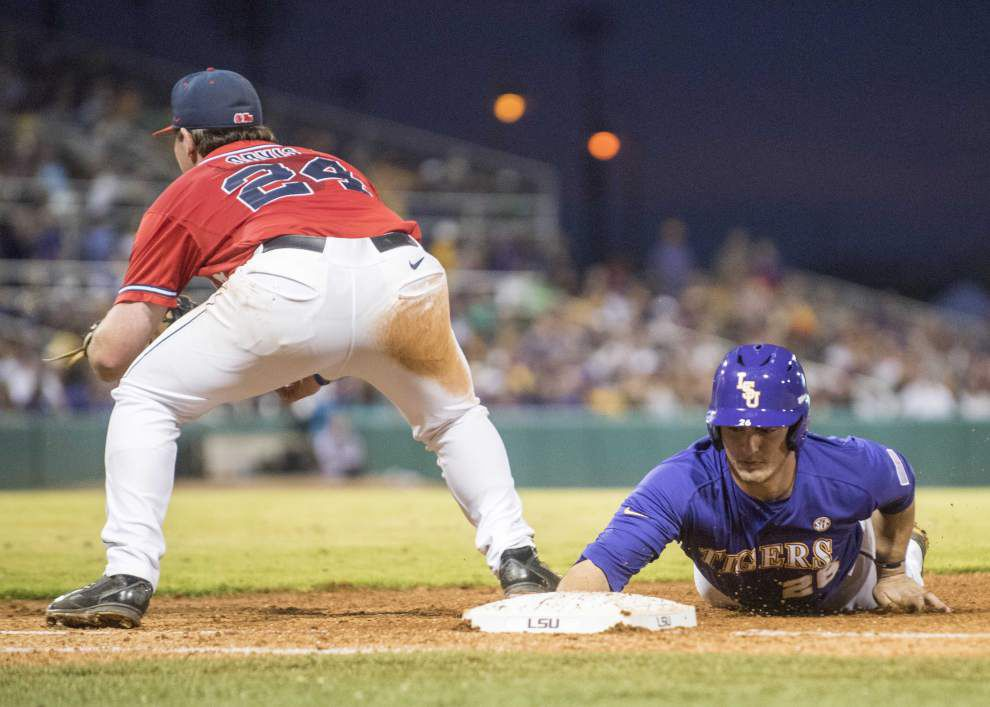 LSU Poll Speak Monday: The Tigers remain No. 1 in the Baseball America poll _lowres
