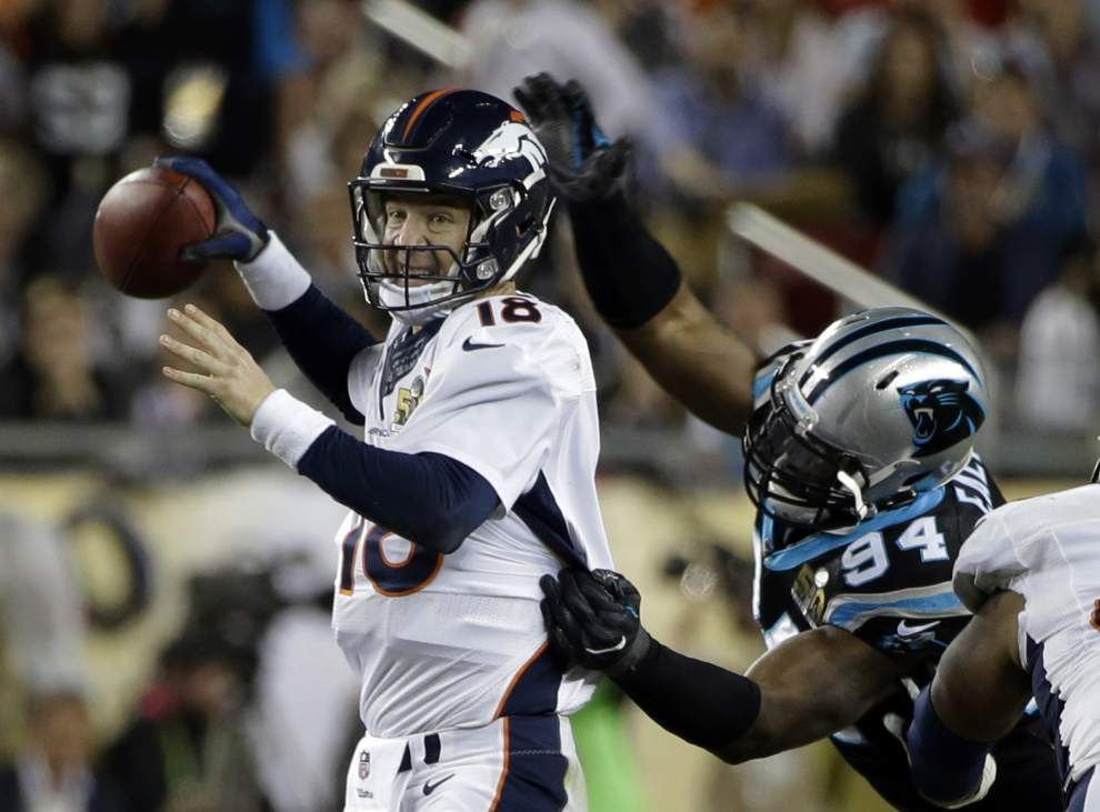Kony Ealy does it all on defense for Panthers _lowres
