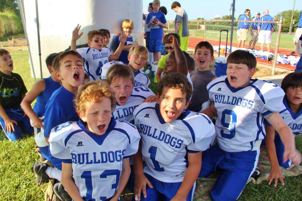 Youth tackle football, cheer registration is Thursday _lowres