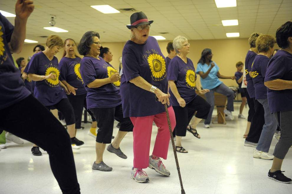 Line dancing group provides fun, excercise _lowres