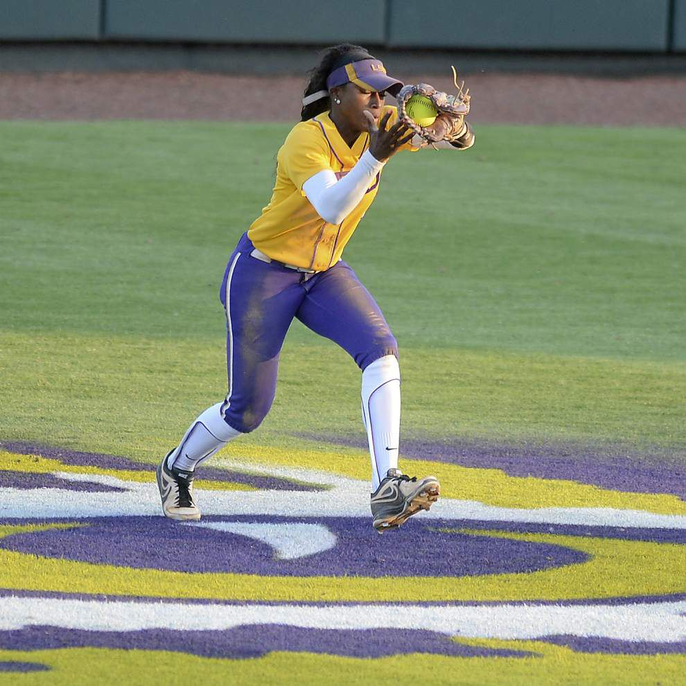 LSU softball 2015: A young pitching staff prepares for a new experience in Tiger Park _lowres