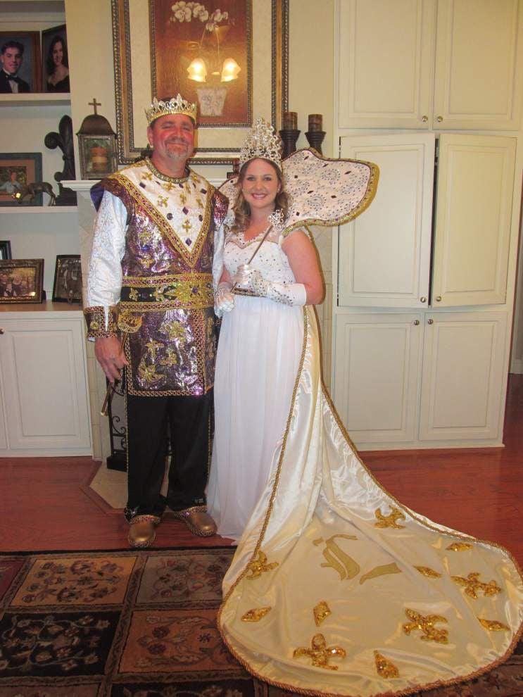 James Achee, Alex Bates rule Livonia Carnival Association's parade _lowres