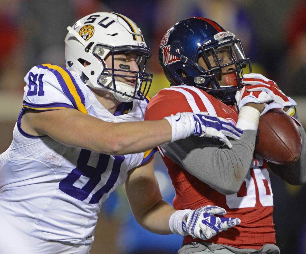 LSU's season-long rash of penalties, mistakes continues _lowres