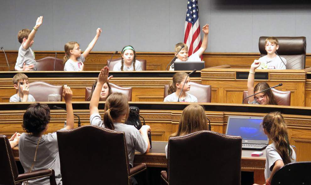 Light-hearted moment: 4th graders take to Louisiana Legislature, vote to extend summer vacation by 1 month _lowres