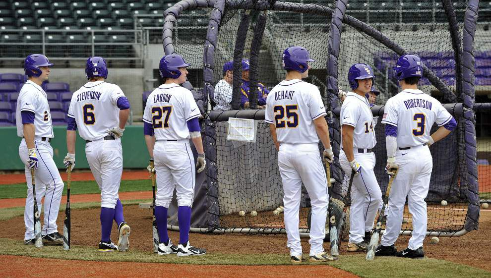 A look at LSU's season-opening non-conference baseball games _lowres