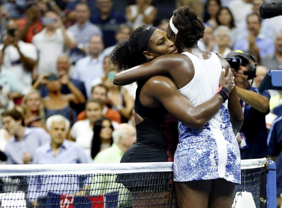 Serena Williams gets best of Venus in 27th meeting, advances to U.S. Open semifinals _lowres