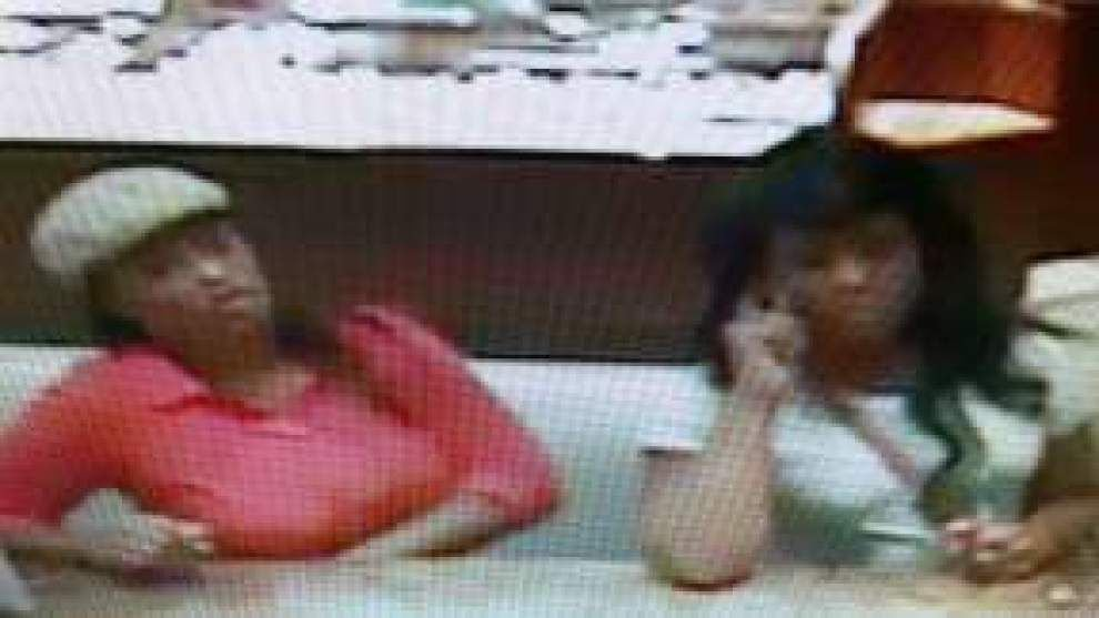 Police seek pair accused of using stolen card to purchase $29,000 in merchandise _lowres
