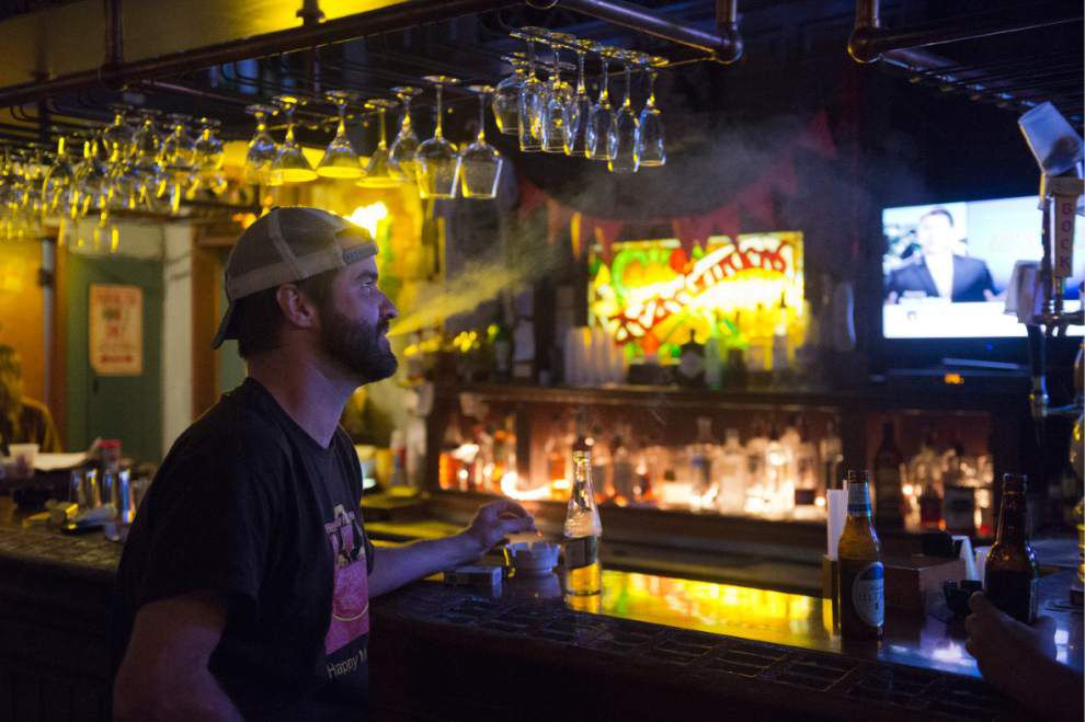 New Orleans smoking ban ignites debate in Baton Rouge, but Kip Holden tight-lipped so far on issue _lowres