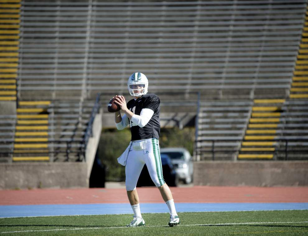 Tulane quarterback Tanner Lee dresses for practice; Curtis Johnson doesn't name starter for UConn _lowres