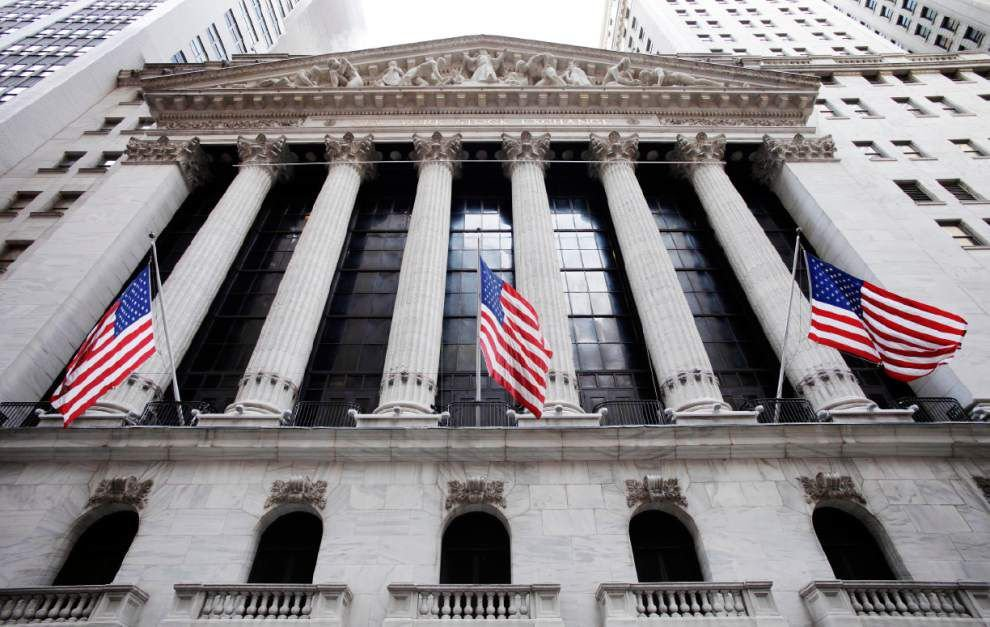 U.S. stocks fall as geopolitical risks remain _lowres