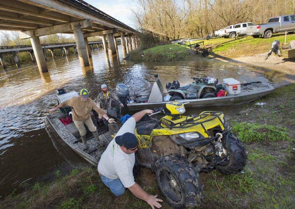 Atchafalaya Basin flooding fears send sportsmen scurrying to clear out campsites _lowres