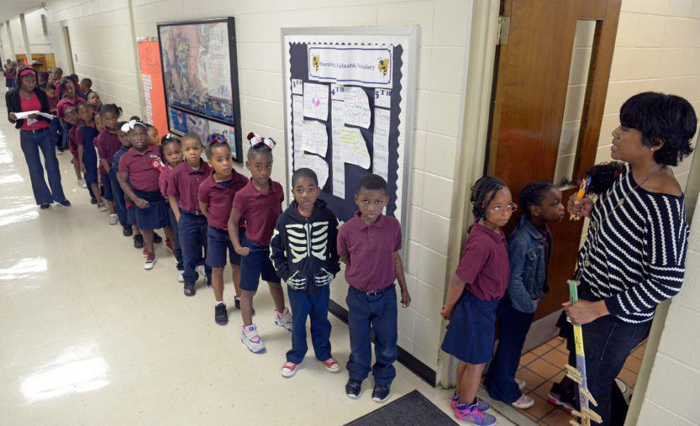 Schools move to implement free lunch program _lowres