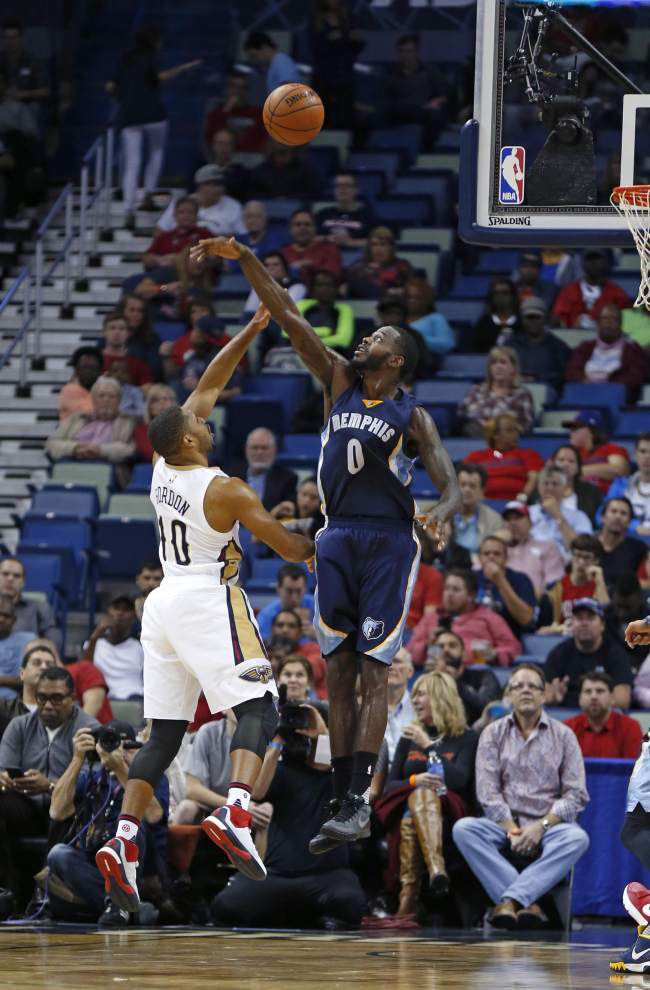 Healthy backcourt gives Pelicans more options _lowres