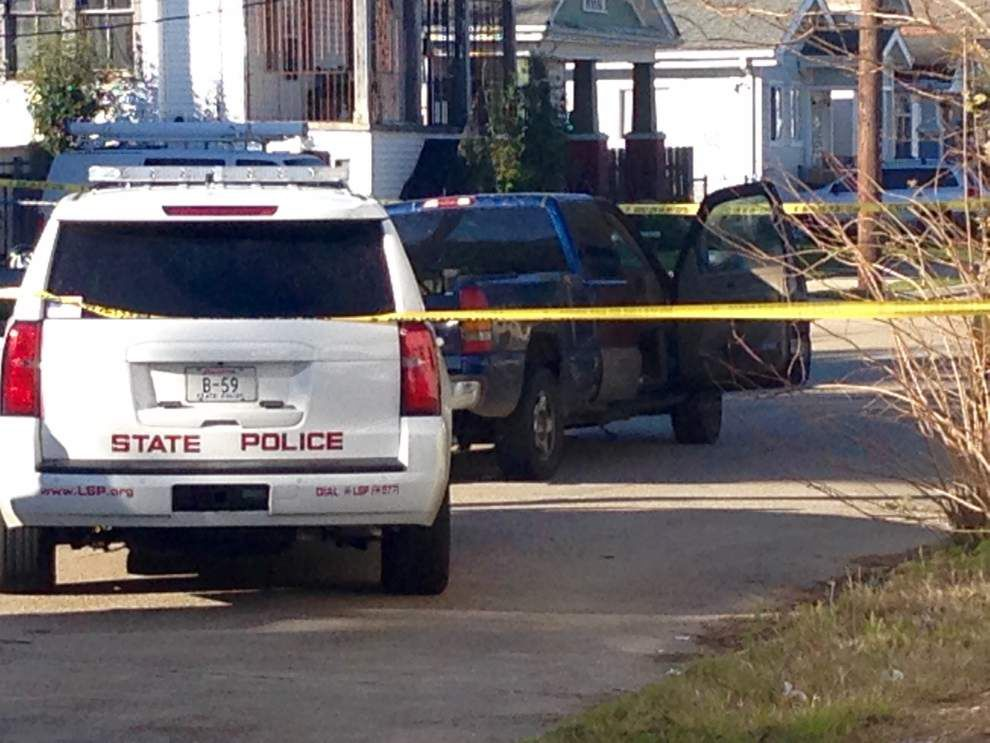 State Police shoot at man after car chase; no serious injuries reported _lowres