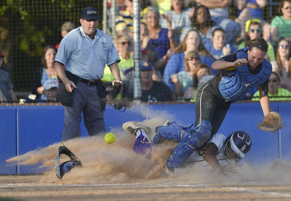 Gisselle Ash's seventh-inning double propels Live Oak into state tournament _lowres