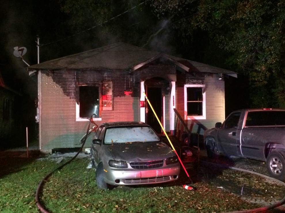 Family escapes but dog dies in house fire _lowres