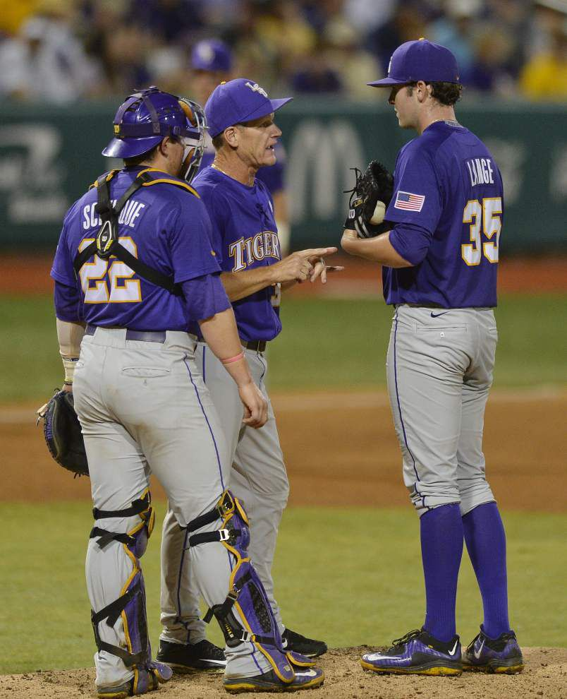 Line Drives: Pregame: LSU vs. UNC-Wilmington Baton Rouge regional _lowres
