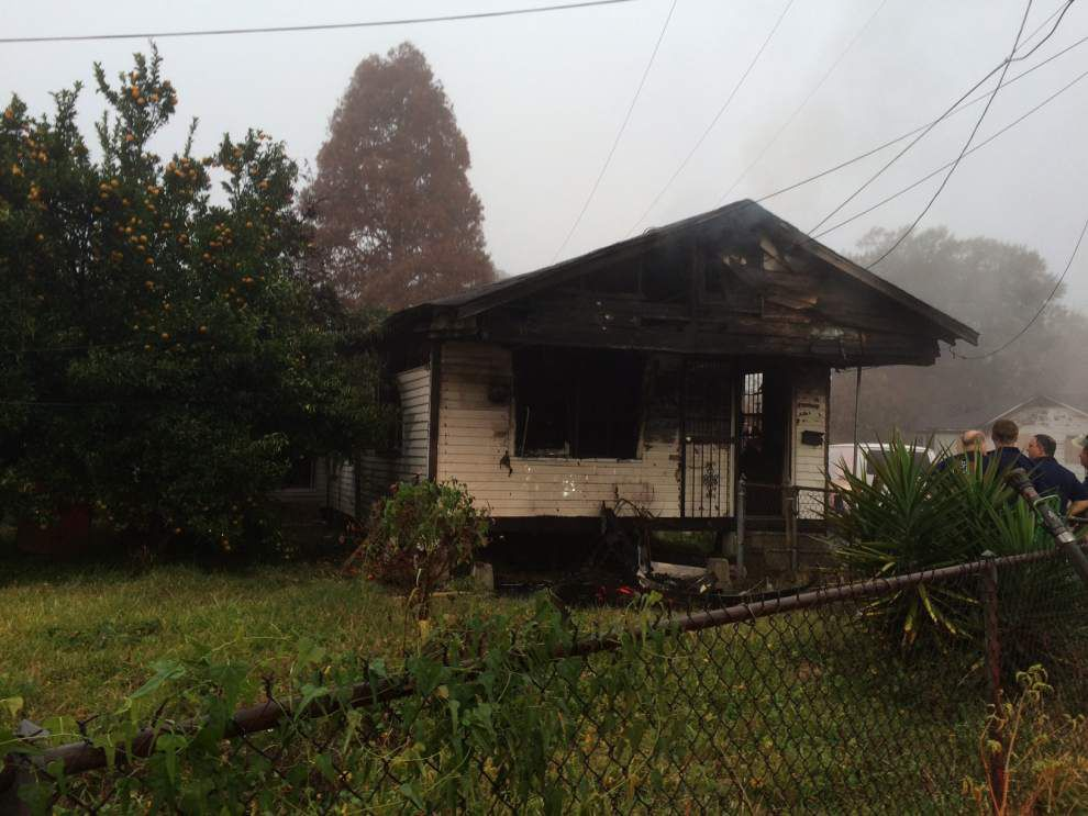 Man dies in house fire _lowres
