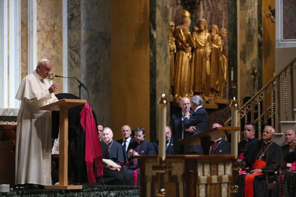 Live Updates: Pope praises U.S. bishops for 'courage' in response to clergy sex abuse crisis _lowres
