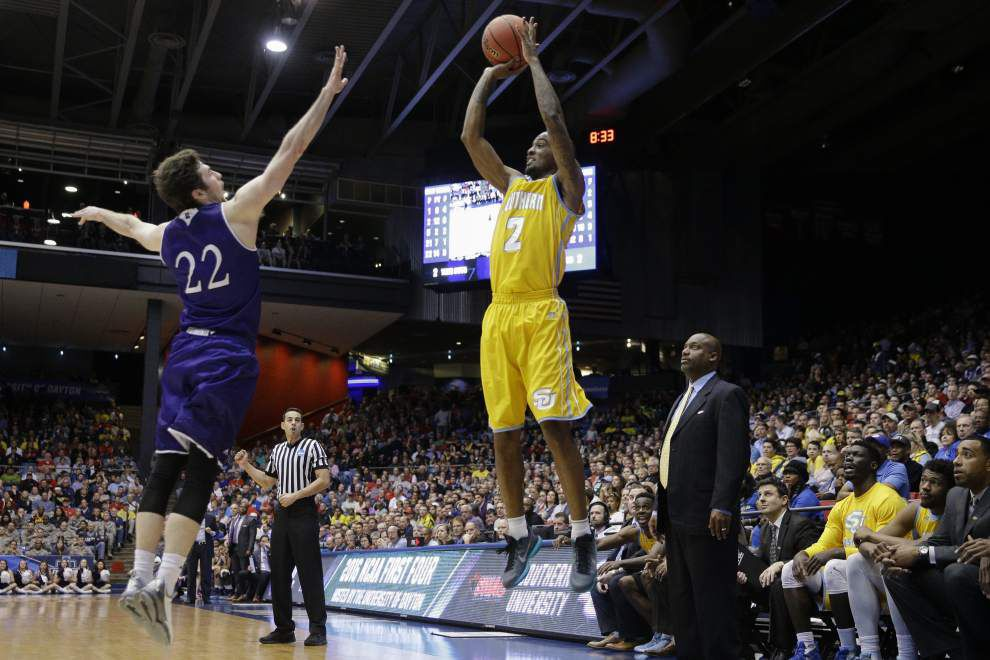 Slow start contributes to Southern's loss to Holy Cross _lowres