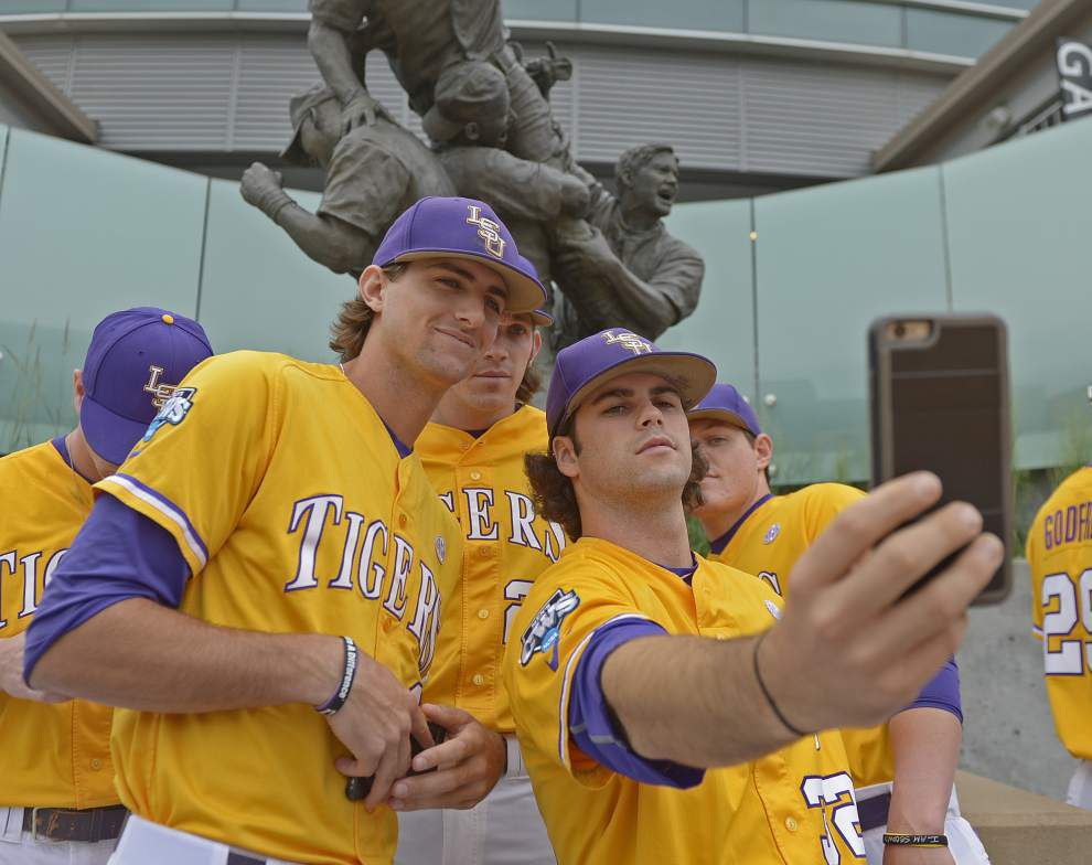 'Mr. Oppo' Mark Laird's opposite-field focus is rare — and baffles some of his LSU teammates _lowres