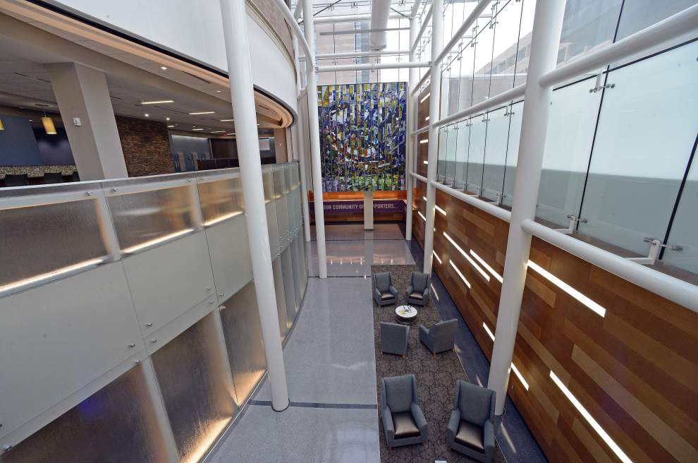 Cancer Center's $25 million refurbishment has goal to encourage collaboration, improve patient care _lowres