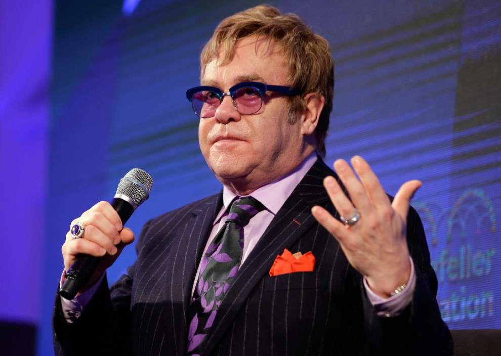 Elton John challenges new Russian anti-gay law _lowres
