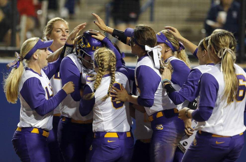 LSU softball tops Alabama 5-3, stays alive in Women's College World Series _lowres