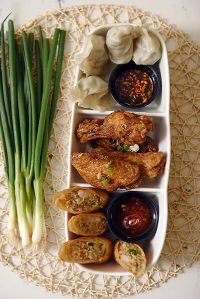 Winter Restaurant Guide 2016: Korean_lowres (copy)
