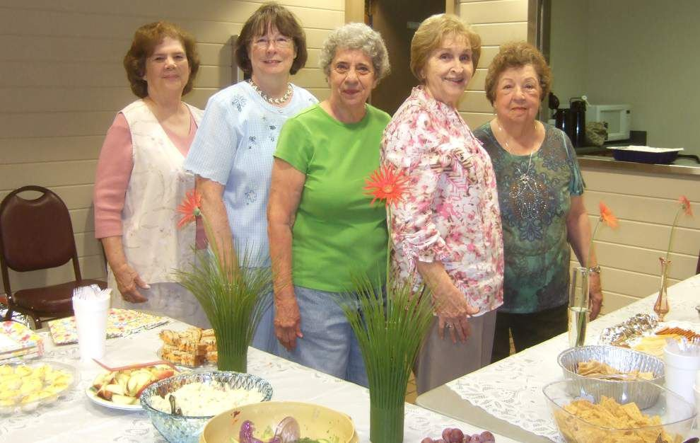 Jefferson Parish Council of Garden Clubs commemorate members _lowres