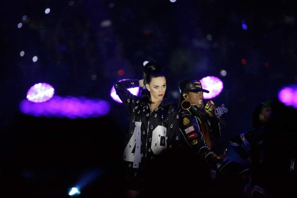 Super Bowl halftime: Missy Elliott, tech give Katy Perry a boost _lowres