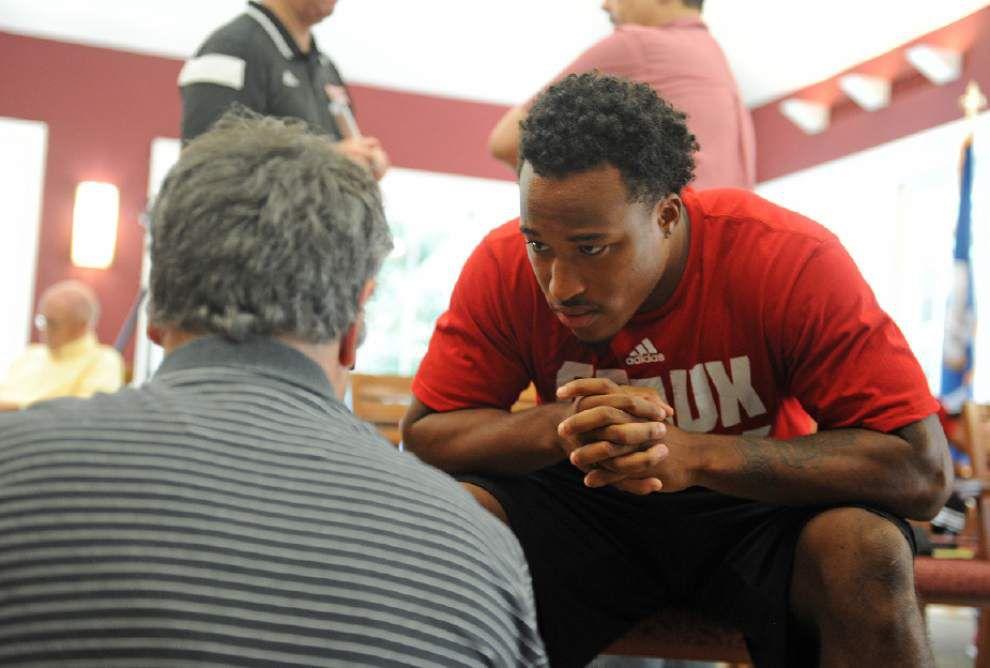Notebook: Cajuns' starting cornerback undecided opposite Simeon Thomas _lowres